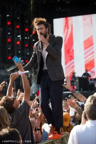 rk_edward-sharpe-0903-023